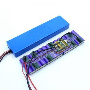 Rūpnīcas cena pielāgota 18650 36 voltu akumulatora litija jonu 36V akumulatoru komplekts