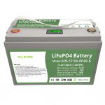 Viss vienā dziļa cikla 12V100Ah LiFePO4 akumulators ar inteliģentu BMS sadzīves enerģijas uzglabāšanas sistēmai